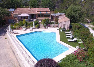 Seconde vue aérienne de la Villa Victoria situé en Provence